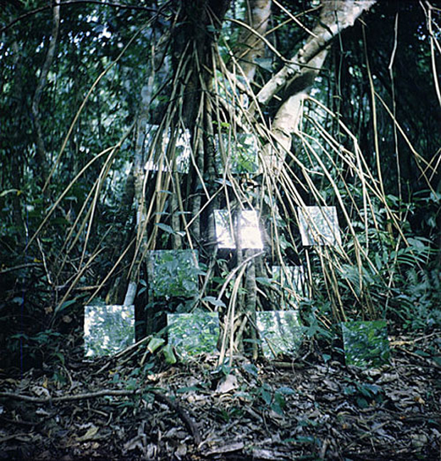 Robert Smithson - Mirror Displacements in the Yucatan