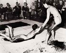 performance-by-yves-klein