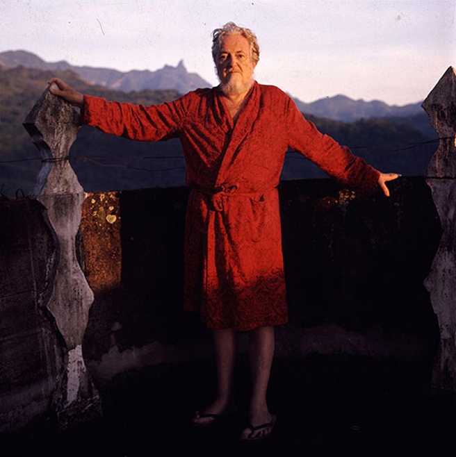 Edward James in Xilitla ('La Silleta' in the background)